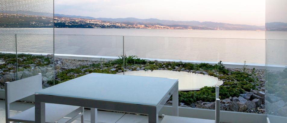 Small double room bevanda 5 star design hotel for Design hotel opatija