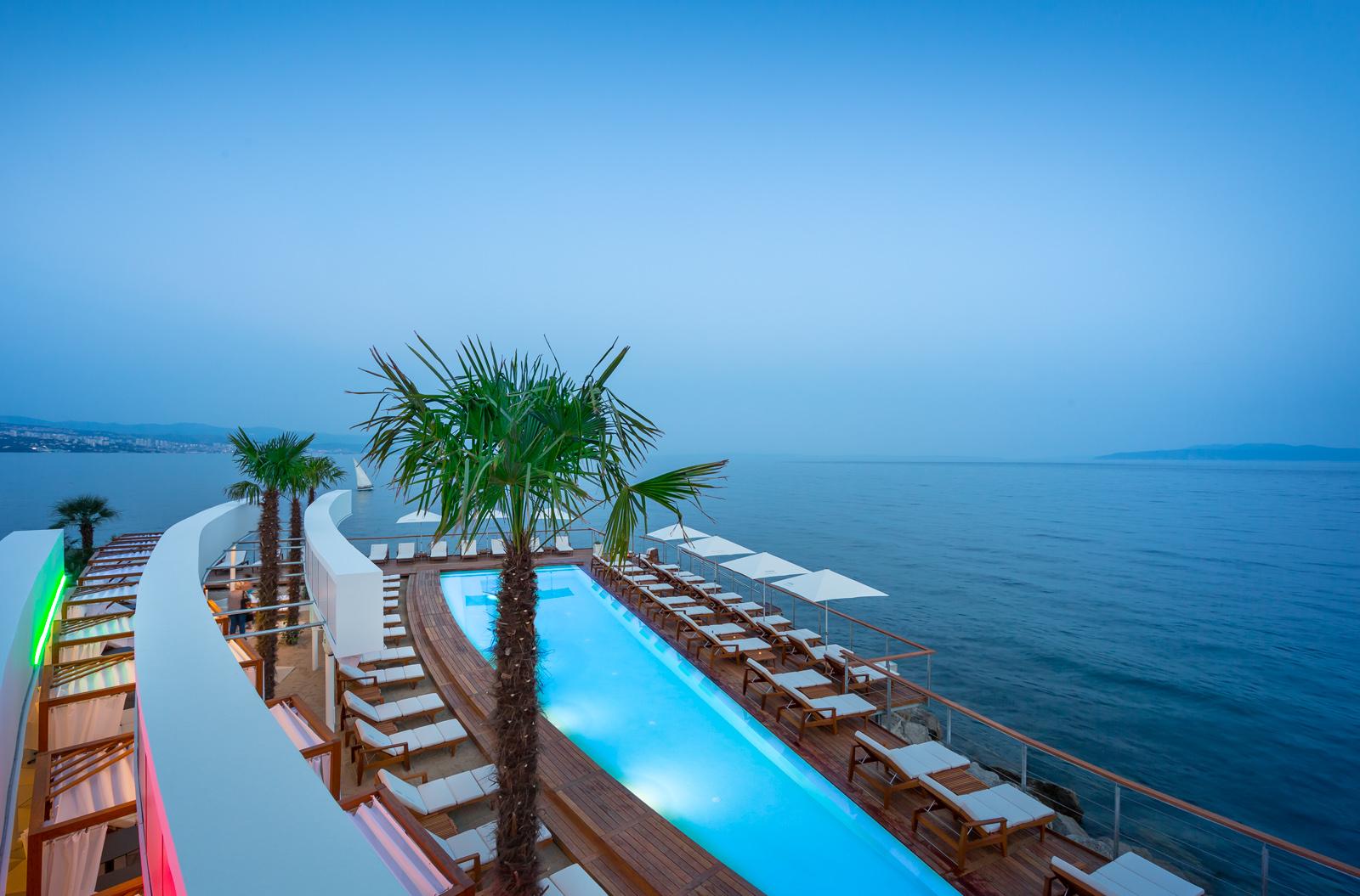 Lido bevanda beach resort bevanda 5 star design for Design hotel opatija